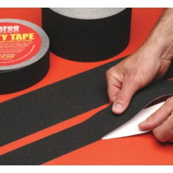 SAFETY TAPE 18 mtr * 100 mm breed